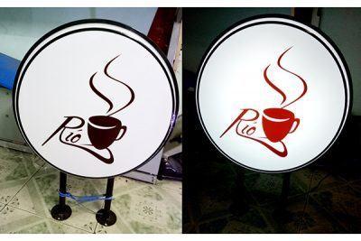Hộp đèn tròn hút nổi cà phê Rio