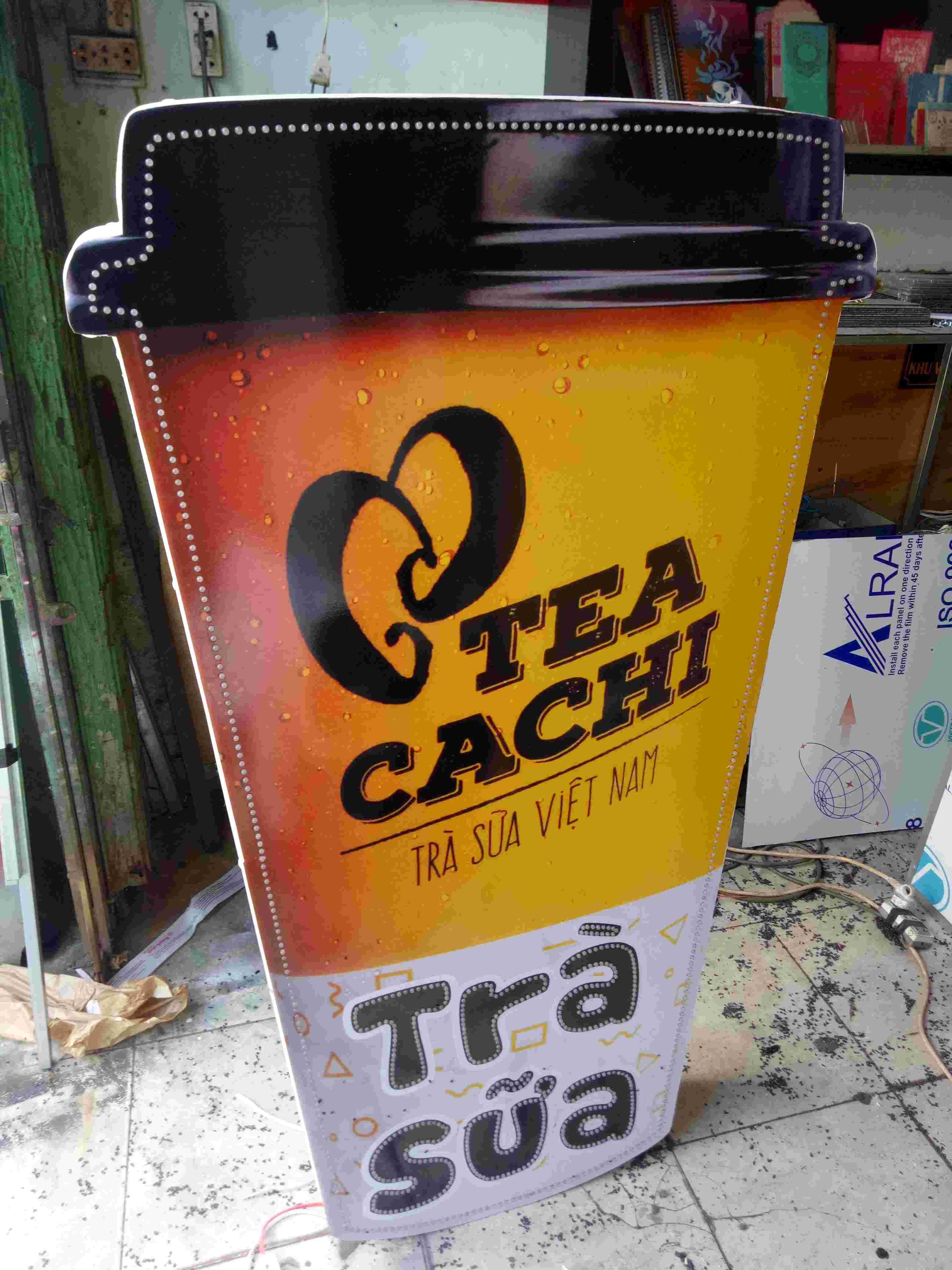 Hộp đèn trà sữa mica Tea Cachi