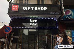 Làm bảng hiệu gift shop