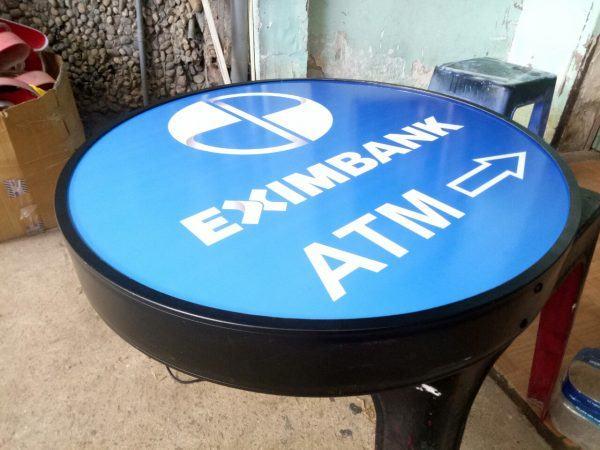 hộp đèn hút nổi Eximbank