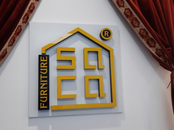 Mẫu biển hiệu quảng cáo alu trong nhà sang trọng