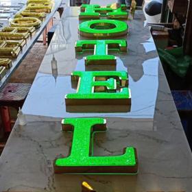 Chữ nổi hạt nhựa acrylic