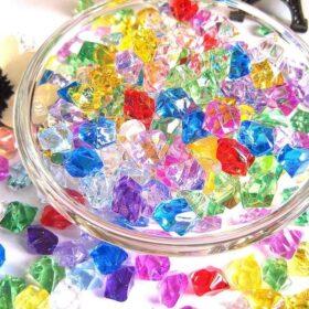 Nhựa acrylic xuyên sáng 1mm đa dạng màu sắc